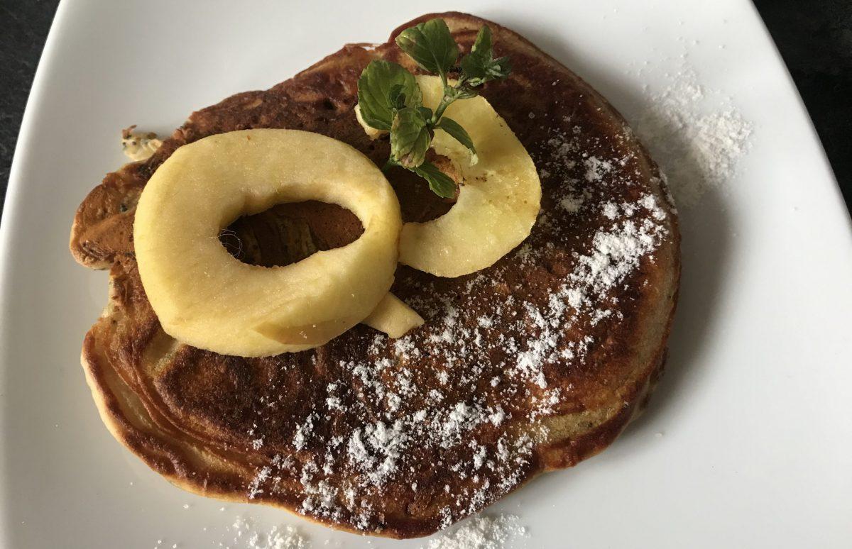 Apfel-Mohn-Pancakes