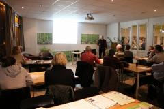 Hein Horbaschek vom Bund Naturschutz informiert über verschiedene Heizmöglichkeiten